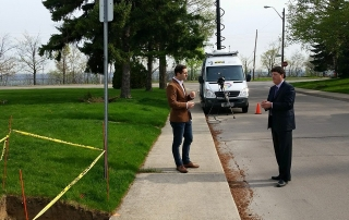 Terry Whitehead speaking with CHCH at the site of a severed gas line